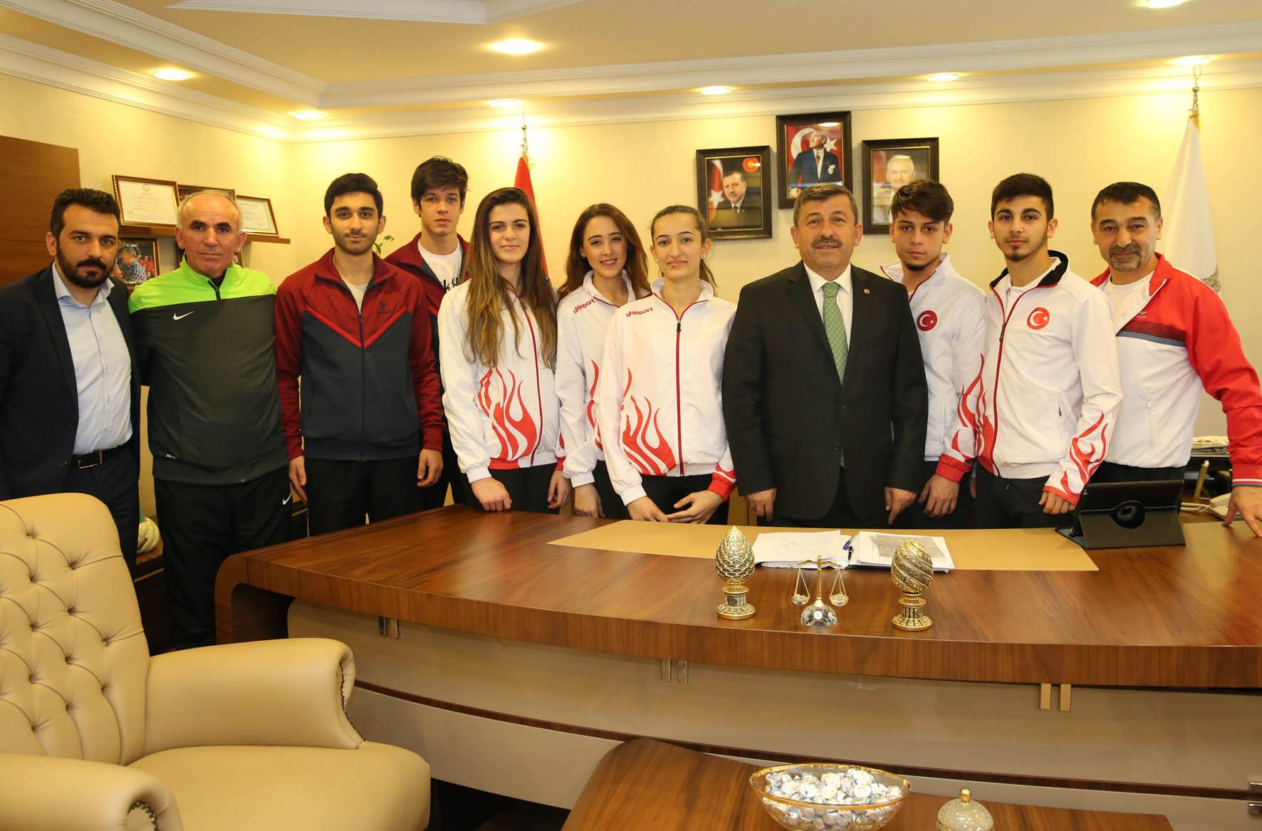 Dünya Şampiyonu Eray Şamdan Darıca İçin Yarışacak