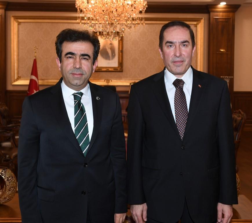 Vali Güzeloğlu, Kaymakam  Hotman'ı Makamında Kabul Etti