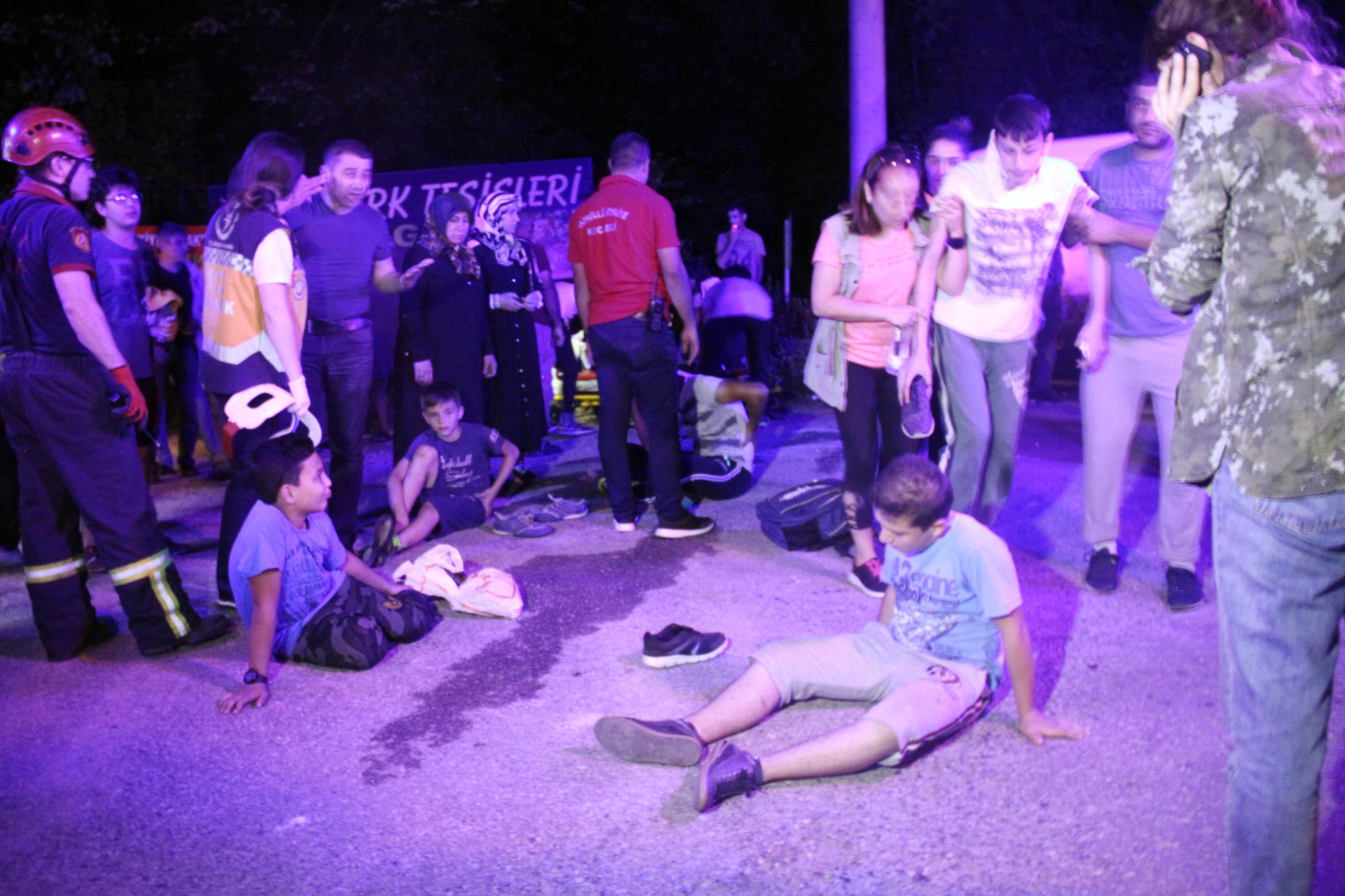 Kur'an kursu öğrencilerini taşıyan servisin freni patladı: 15 yaralı