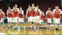 12 dev adam, Litvanya'yı mağlup etti