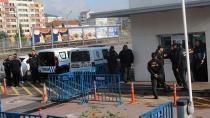 Büyükşehir binası önünde güvenlik arttırıldı