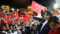 Vali Güzeloğlu Darıca'da Demokrasi Nöbetine Katıldı
