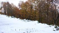 Kartepe'ye yılın ilk karı düştü