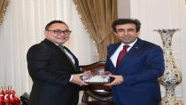 Vali Güzeloğlu Herry Sudrajat'ı Makamında Kabul Etti