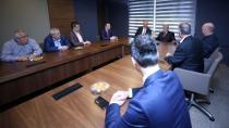 Karaosmanoğlu, CHP İl Başkanlığını ziyaret etti