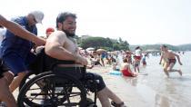Engelli vatandaşların deniz keyfi