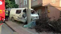 Özel halk otobüsü ani fren yapan araca çarptı: 1 yaralı