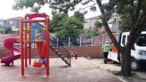 Dilovası Belediyesinden Okul Bahçesine Çocuk Oyun Grubu