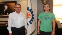 41 Gençli Furkan Tıp kazandı Başkan Köşker'e teşekküre geldi
