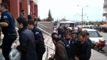 18 polise gözaltı