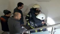 Bakım işçisinin ayağı, asansör hareket edince sıkışarak kırıldı