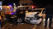 Kocaeli'de iki otomobilin karıştığı kazada 2 kişi yaralı