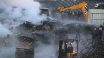 Palet fabrikasının depolama alanında çıkan yangın tamamen söndürüldü