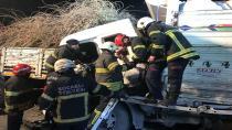 Kocaeli'de kamyon tıra arkadan çarptı: 1 yaralı