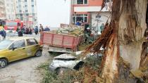 Yokuşta freni patlayan kamyonet 6 aracı biçti: 5 yaralı