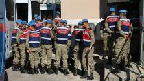 Gözaltına alınan 27 asker serbest bırakıldı
