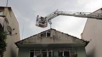 Yangın sonrası ev sakinleri gözyaşı döktü