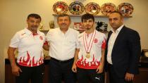 Şamdan Şili'den Bronz Madalya İle Dönüyor