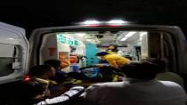 Kontrolden çıkan motosiklet kaldırıma çarptı: 1 yaralı