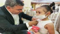 Başkan Şayir'den minik Elif'e anlamlı hediye